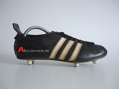 VINTAGE ADIDAS INTER SOCCER CLEATS / SPORT SHOES