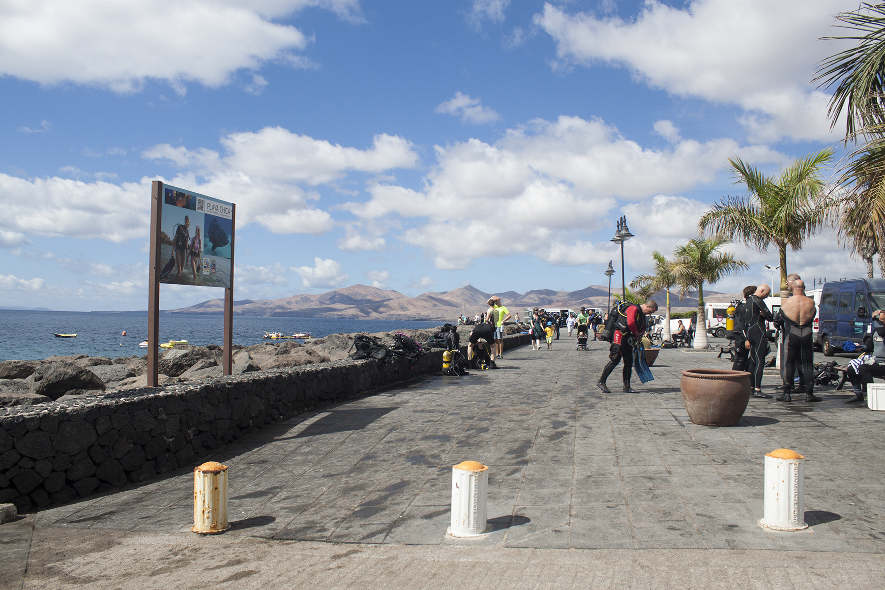 3 Reasons to Visit Lanzarote in the Off Seasons | Divers Getting Ready | awaywithkatie.com