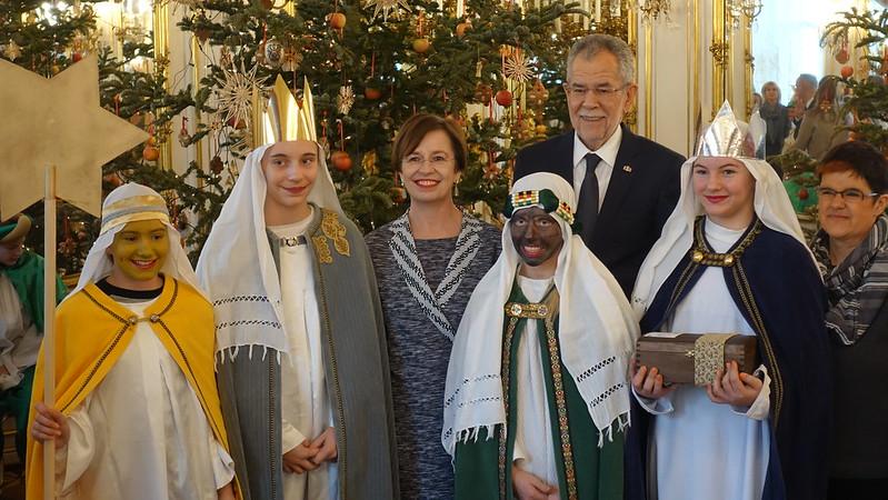 Sternsinger aus der Pfarre Höchst/Gaißau - Diözese Feldkirch  bei Bundespräsident Van der Bellen