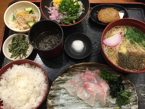 松山市での夕食