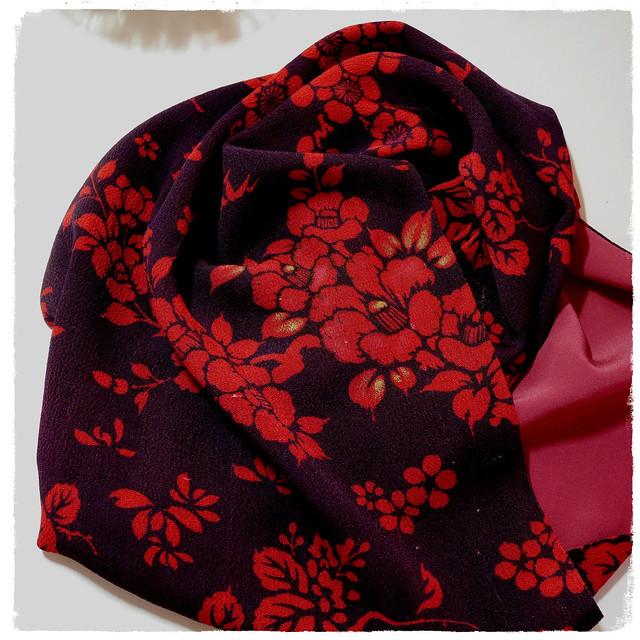 梅と椿のスカーフ&和の色のはなし