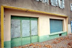 FR10 9222 Défunt atelier de réparation Peugeot. Cours Colonel Petitpied. Mirepoix, Ariège