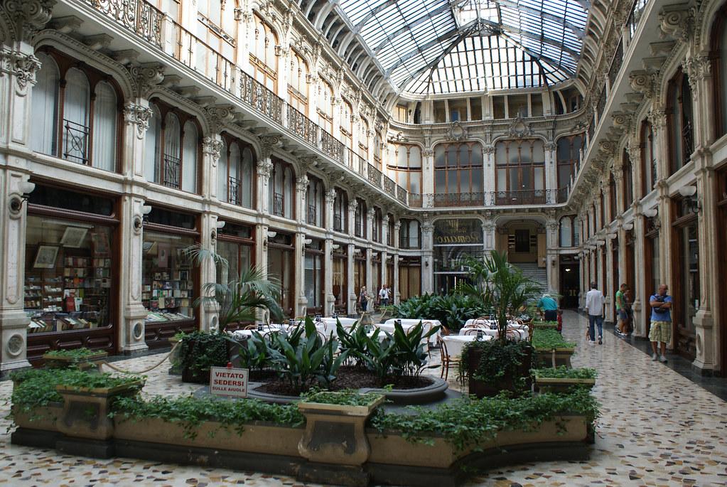 Passage couvert dans le centre de Turin.
