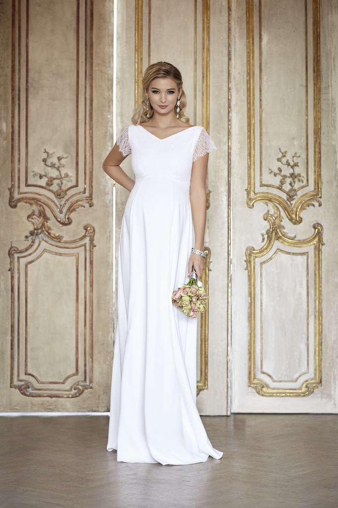 ELNGI-L1-Eleanor-Gown-Ivory