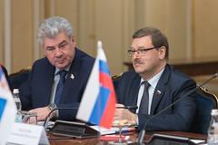 В. Бондарев и К. Косачев