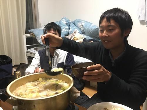 今回は鍋を作りながら舟橋さんを待ちます