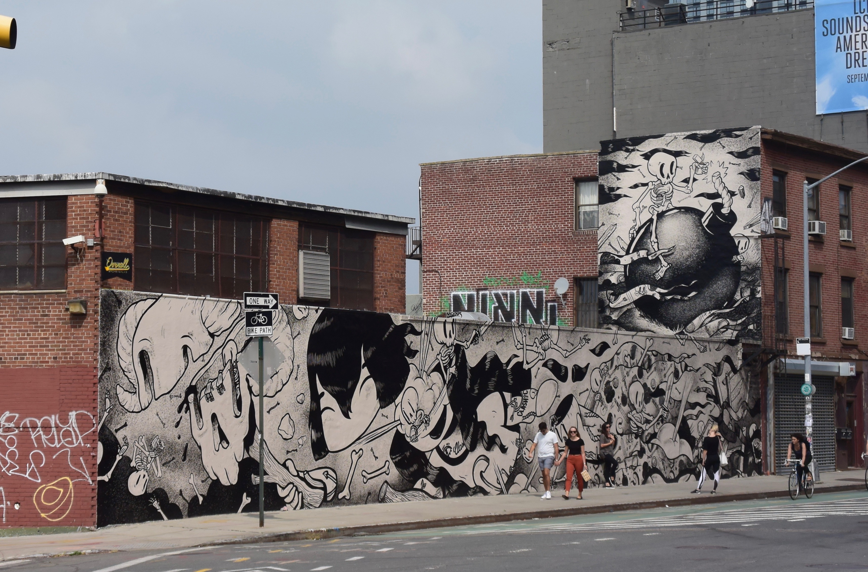 Brooklyn street art - monochrome