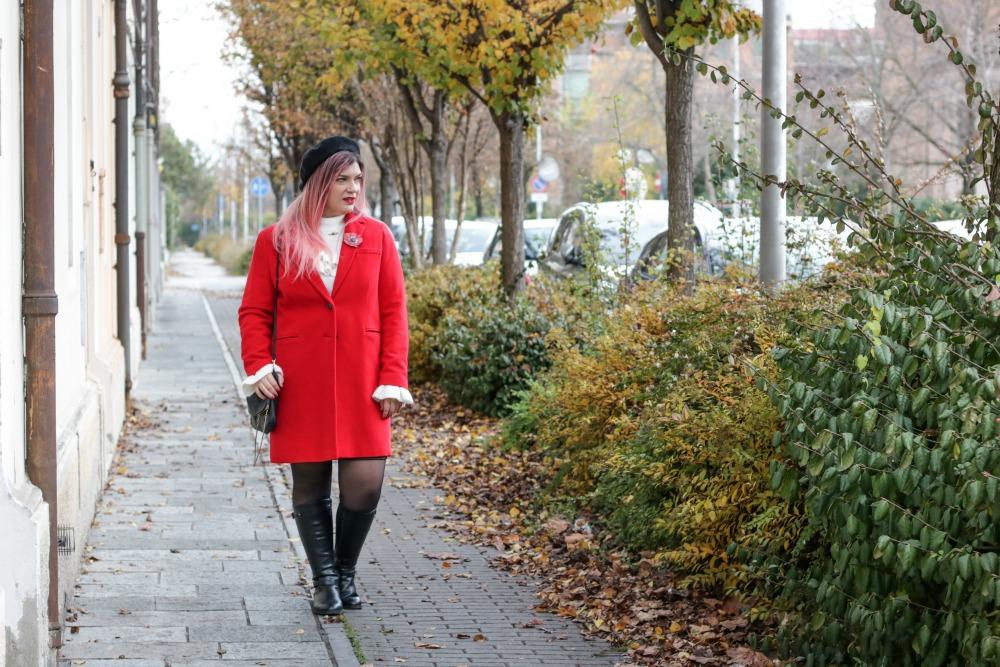 Outfit plus size rosso bianco e nero, maglione con balze e gonna ricamata (6)