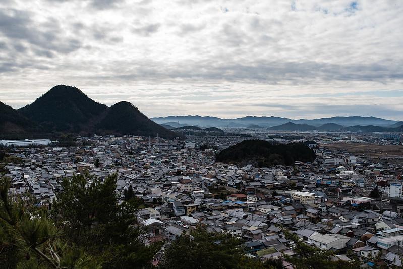小倉山城展望台から見る美濃市