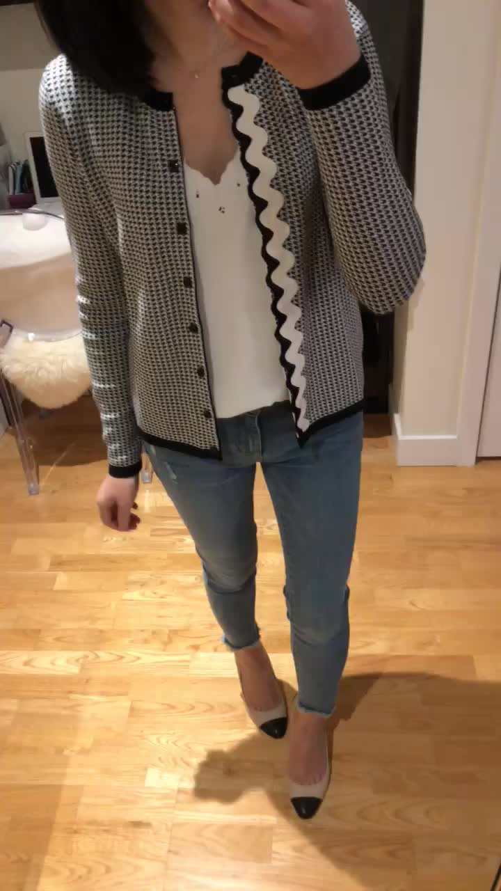 Ann Taylor Houndstooth Ann Cardigan, size SP
