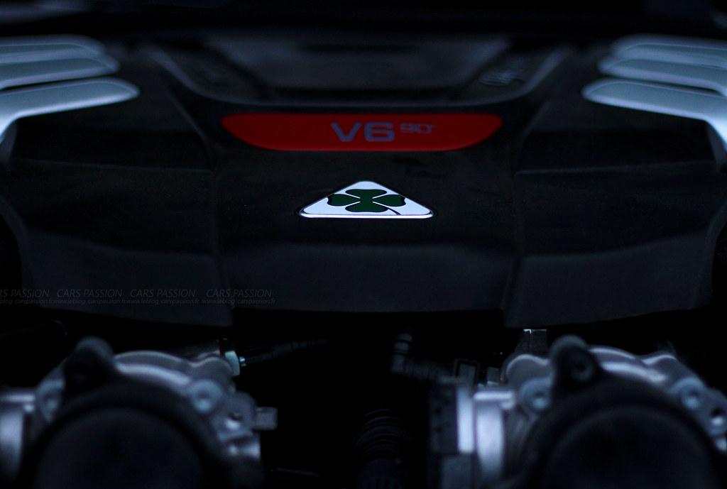 Alfa Romeo Quadrifoglio Verde vs Alfa 147 GTA
