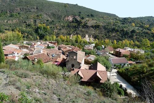 VALDESOTOS (Guadalajara). Spain. 2014. Sierra Norte. Panorámica del pueblo.