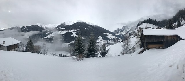 Panorama along the road to Egger-Grub-Alm Malga