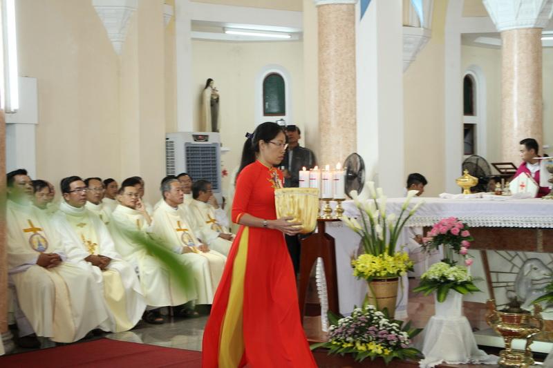 Thánh Lễ Truyền Chức Linh Mục Giáo Phận Qui Nhơn - Ảnh minh hoạ 115