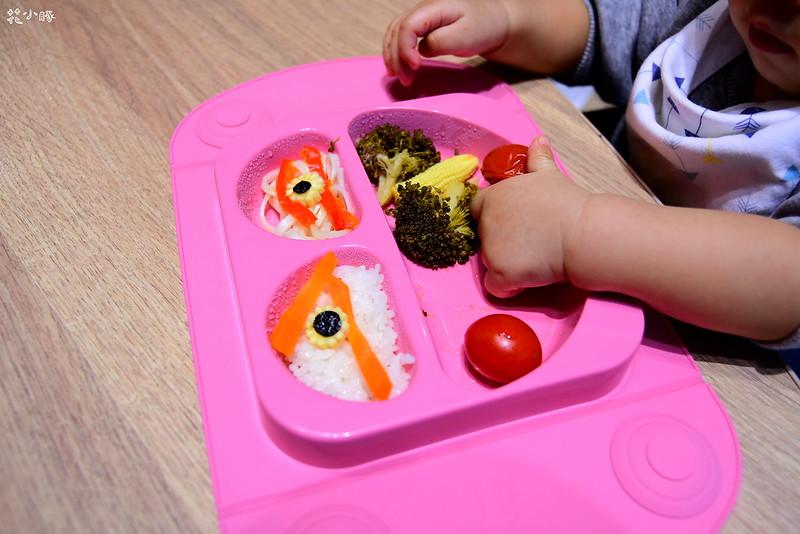 easymat餐盤防拔嬰兒餐具吸盤嬰兒餐具推薦嬰兒副食品餐具推薦EasyMat防滑矽膠餐盤 (29)
