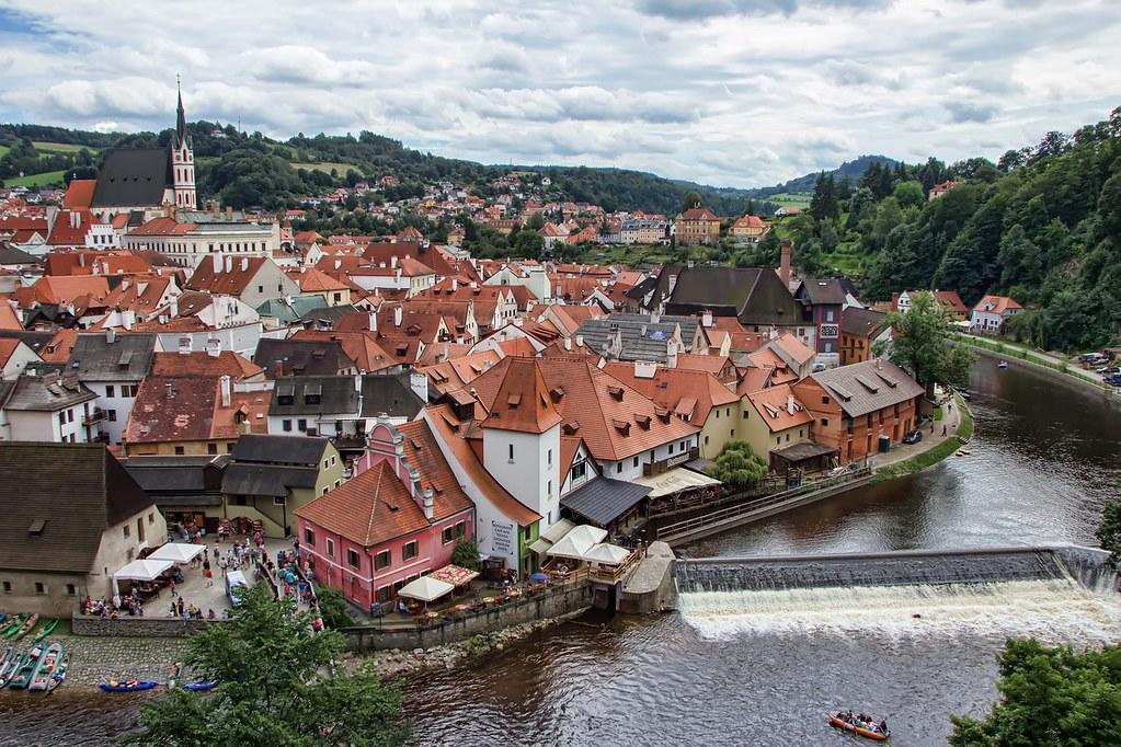 Vue sur la ville de Český Krumlov depuis le chateau.
