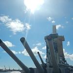 Изображение USS Missouri вблизи Hickam Field. 2017 vacation trip hawaii unitedstates pacificnationalmonument gun guns ussmissouri