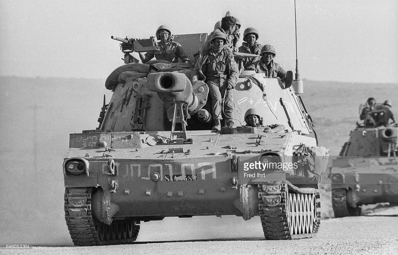 155mm-M109-golan-19731017-gty-1