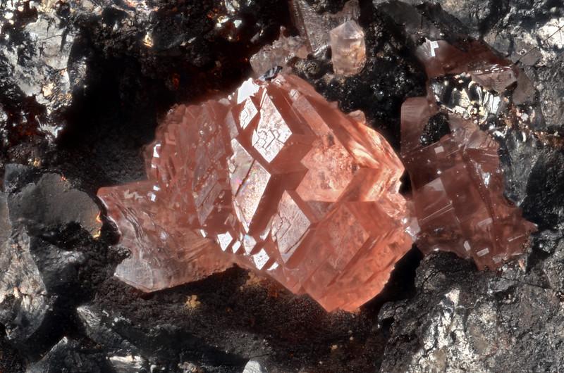 菱マンガン鉱 / Rhodochrosite