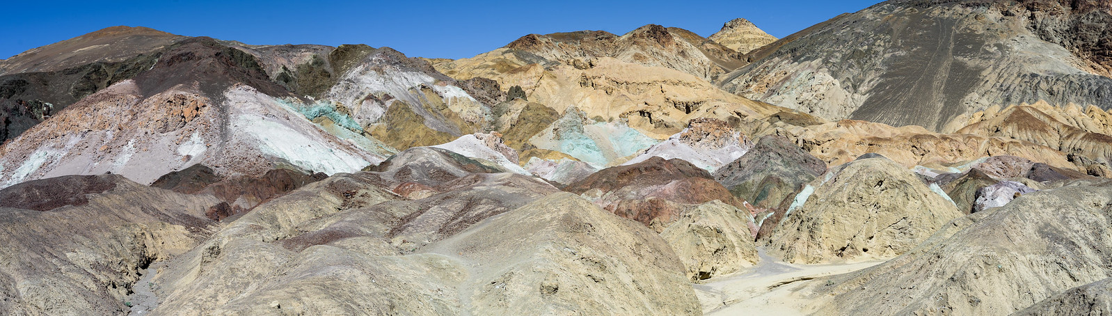 Artist Pallet (Death Valley) 38528229065_7856fab0b1_h