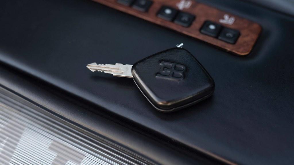 1993-bugatti-eb110-auction (8)