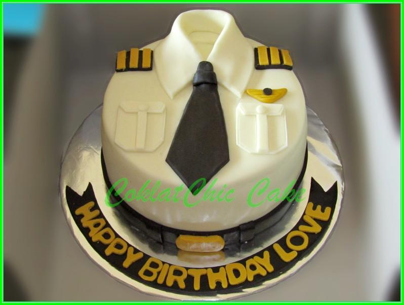 """Cake baju Pilot """"LOVE"""" 15cm"""