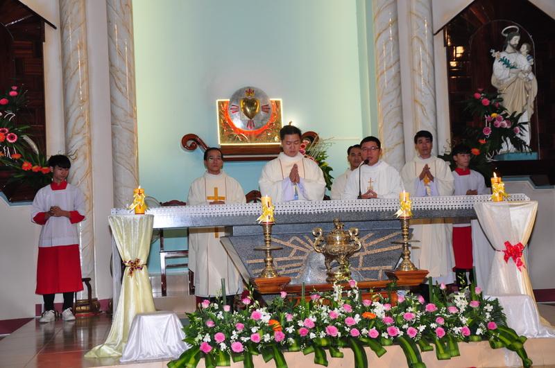 Thánh Lễ Tạ Ơn của Tân Linh Mục tại Giáo xứ Cây Rỏi