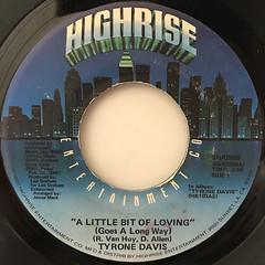 TYRON DAVIS:A LITTLE BIT OF LOVING(GOES A LONG WAY)(LABEL SIDE-A)