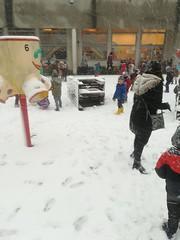 De K1 'tjes spelen in de sneeuw!