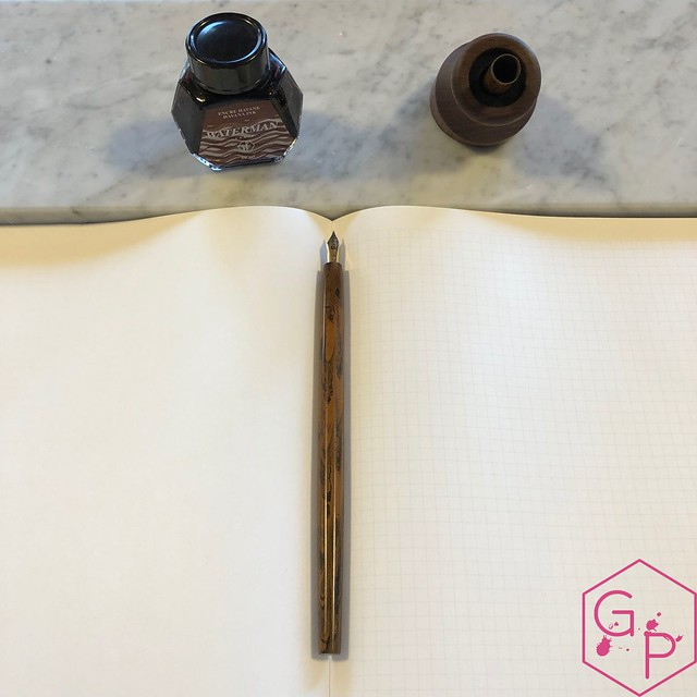 Review @PenwellCo Walnut Pen Desk Stand 13