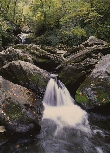 westernnorthcarolina cullasajariver nantahalanationalforest waterfall mediumformat film e6 fujifilm velvia rvp50 pentax 645n smcpentaxa64512855mm epsonv700 affinityphoto