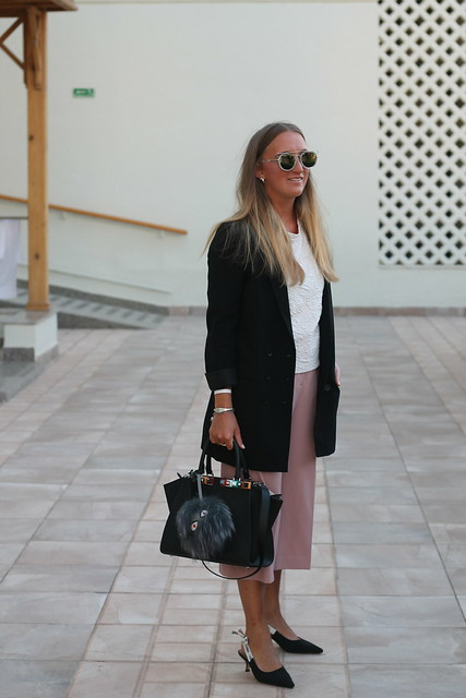 blazer-and-culottes-whole-outfit-side-wiebkembg