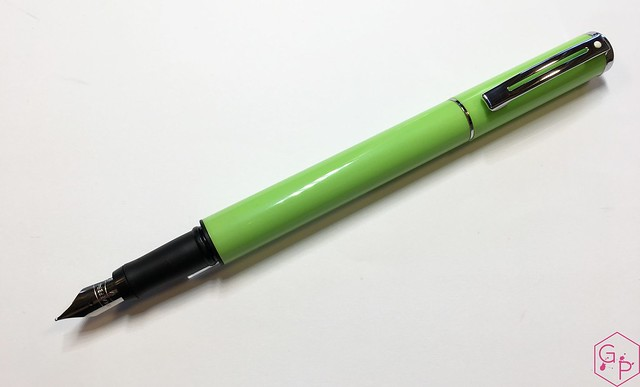 Review: Sheaffer Pop Glossy Lime Fountain Pen @GoldspotPens
