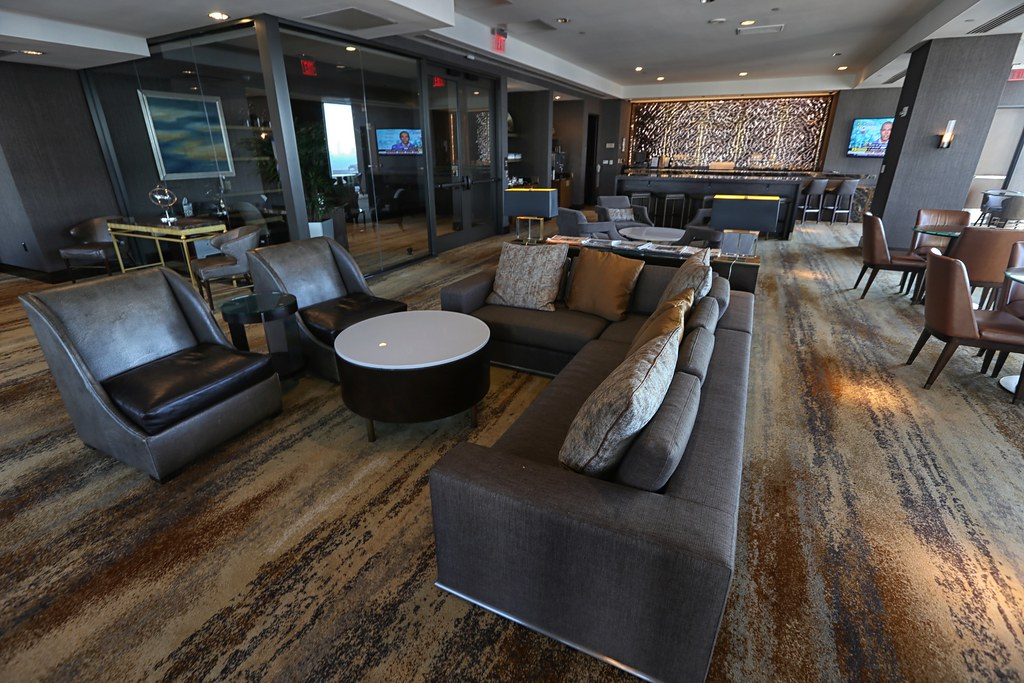 Hilton Americas Executive Lounge 11