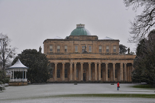 Snow photographer & the Pump Rooms