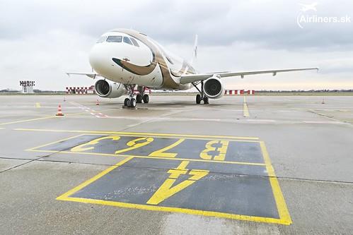 OE-LUG MJet Airbus A320-232