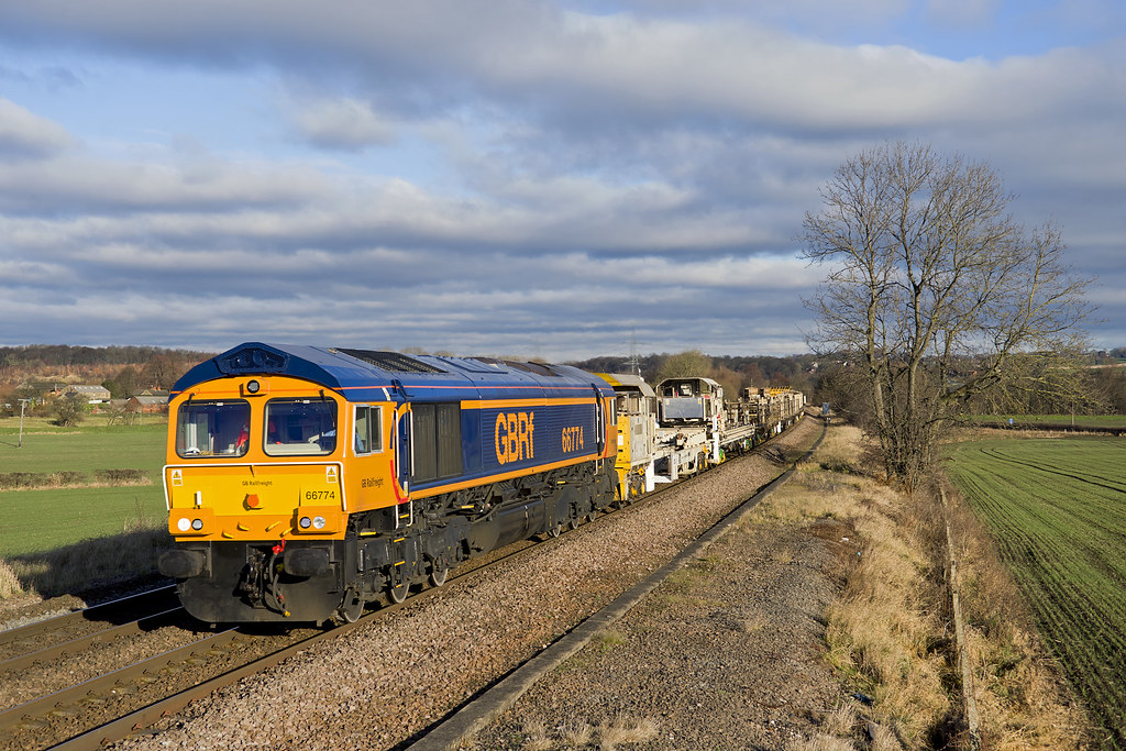 66774 Slitting Mill 6M73 1052 Doncaster Up Decoy - Toton 15-12-17