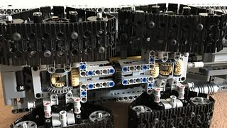 lego-technic-cossack_27157501839_o