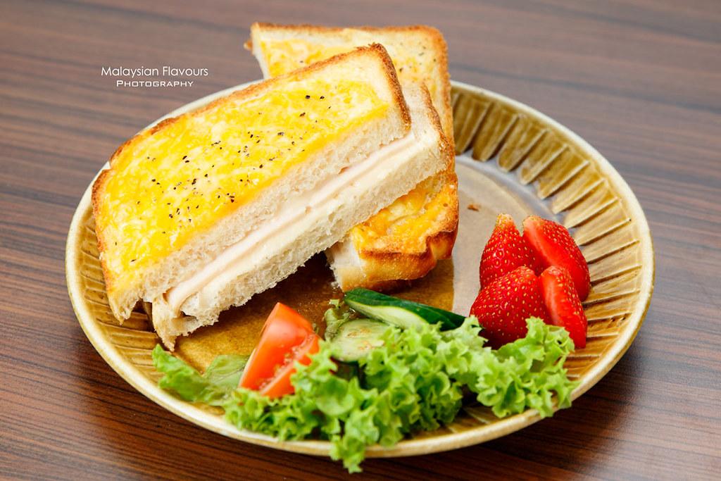 Hachi Bakery Cafe Plaza Damas KL
