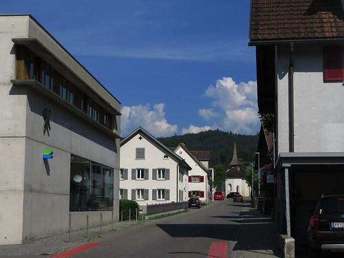 20170615 05 125 Jakobus Satteins Wolken Hügel Wald Häuser Kapelle Turm