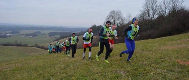 Úvodní závod vrchařského Železnohorského poháru vyhrál Kulhánek a Dvořáková