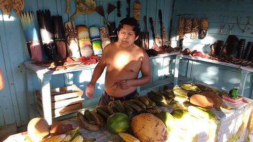 Puerto-Narino-people 4