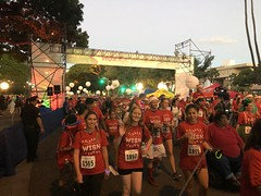 Hawaiian Electric at the Make-A-Wish Hawaii Jingle Rock Run - December 17, 2017: Employees during the Jingle Rock Run