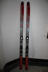Sjezdové lyže 180, vázázní - titulní fotka