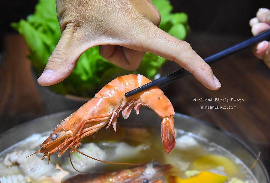 台中天津路張老甕酸菜白肉鍋20