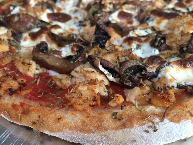 Tuna-Mayo/Mushrooms pizza
