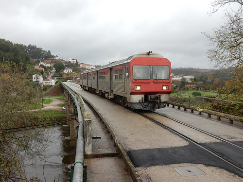 Mixed train-and-road-bridge at Sarnada do Vouga