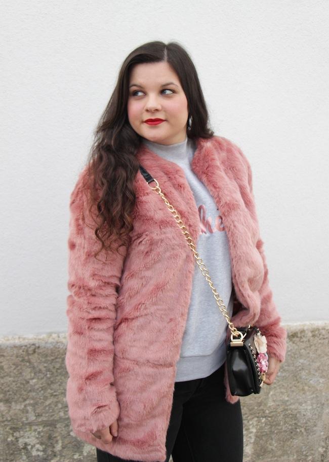 comment_porter_fausse_fourrure_couleur_conseils_blog_mode_la_rochelle_12