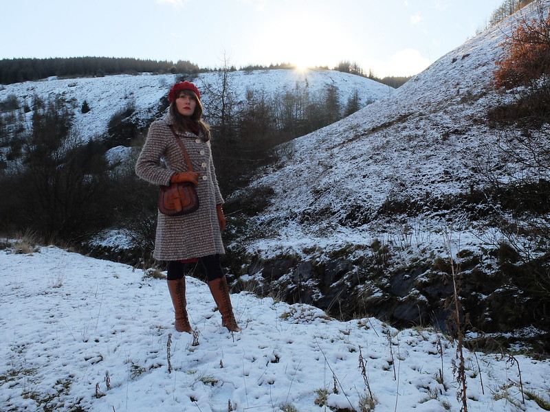 Berets in the snow @porcelinasworld