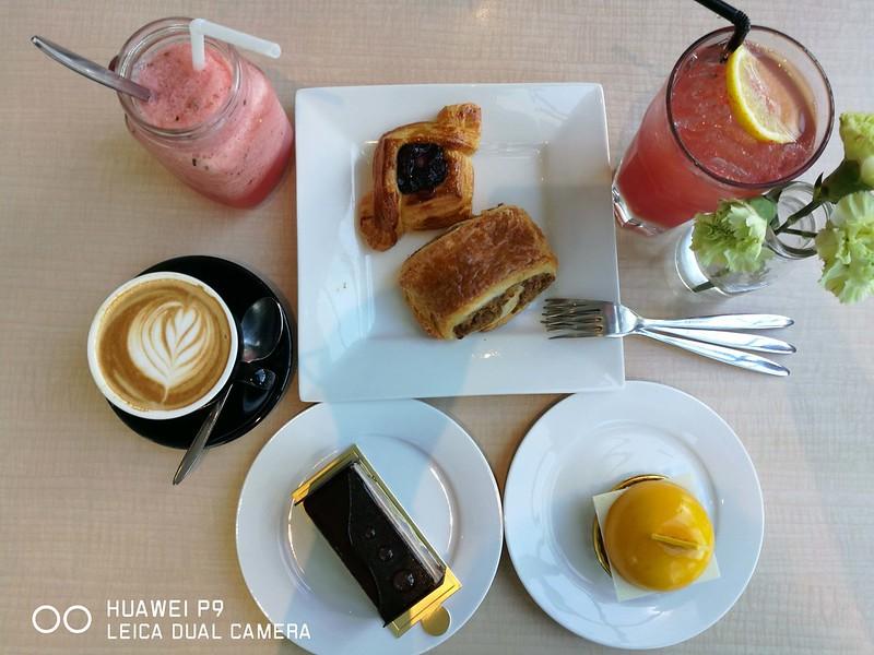 Madeleine Cafe 08